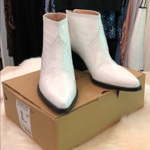 Zara white croc embossed leather booties.